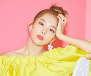 kpop, pink, and yellow image