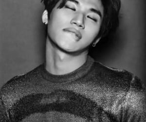 black&white, lee seung-hyun, and daesung image