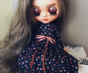 doll, glamor, and glitter eyeshadow image