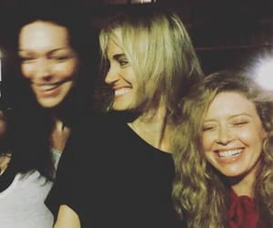oitnb, laura prepon, and natasha lyonne image