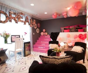 bedroom and girls image