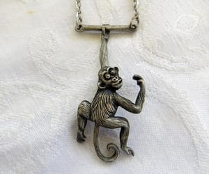 etsy, vintage necklace, and vintagevoguetreasure image