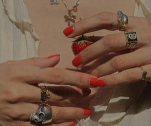 girl, vintage, and anillos image