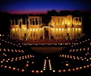 arquitectura, luz, and Noche image