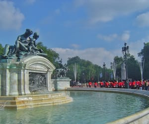 Buckingham palace, fountain, and treasures of traveling image