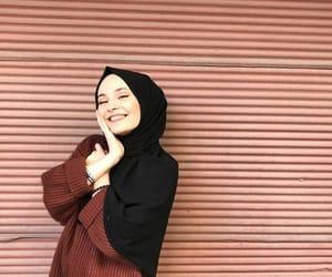 arab, hijab, and فاشون image