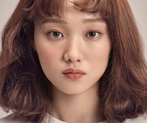 lee sung kyung, model, and Elle image