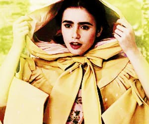 gif, lily collins, and snow white image