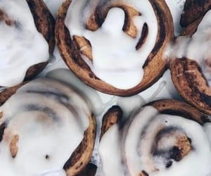 Cinnamon, cinnamon bun, and luxe image