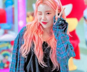 77 Images About Jooe 주이 Momoland On We Heart It See More
