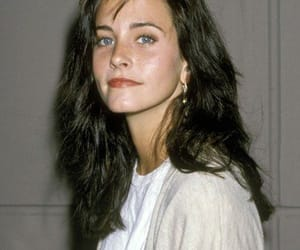 actors, courtney cox, and series image