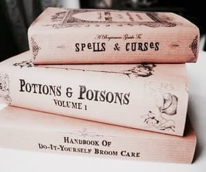 article and harrypotter hogwarts image