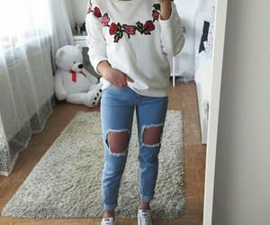 jeans, tshirt, and moda image