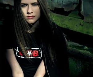 Avril Lavigne, 2002, and beautiful image