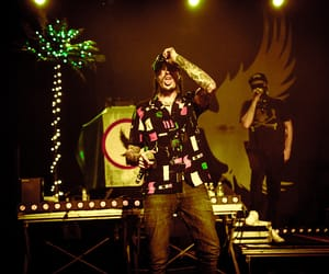 hollywood undead and funny man image