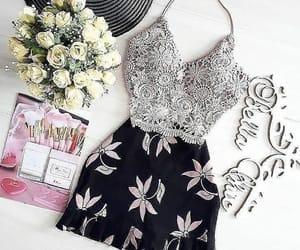 blusa, estilo, and falda image