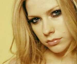 Avril Lavigne, belleza, and maquillaje image