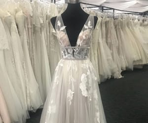 ivory prom dress, gorgeous prom dresses, and prom dresses 2018 image