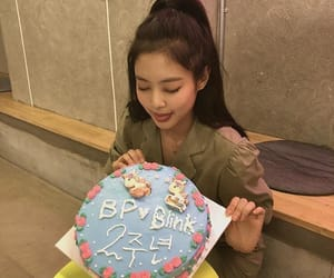 anniversary, cake, and black pink image