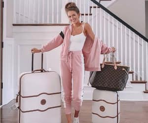 traveling bags and chic traveling style image