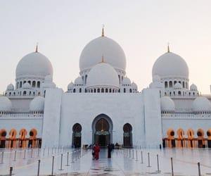 abu dhabi, united arab emirates, and sheikh zayed grand mosque image