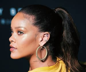 gold, rih, and robynfenty image
