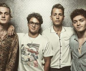 band, idols, and the vamps image