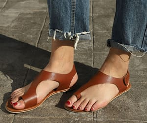 cheap sandals, womens sandals, and fashion flat toe sandals image