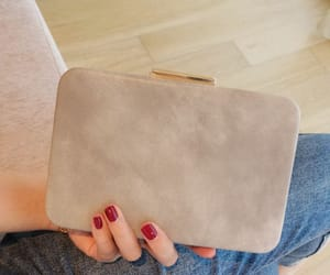 2018, simple clutch bags, and grey clutch bags image