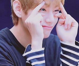 so cute, taehyung, and bts lockscreens image
