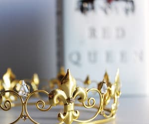 aesthetic, books, and crown image