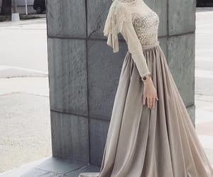 beige, chic, and voilée image