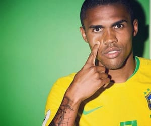 brazil and douglas costa image