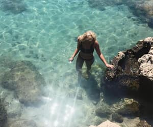 girls, sea, and photo ideas image