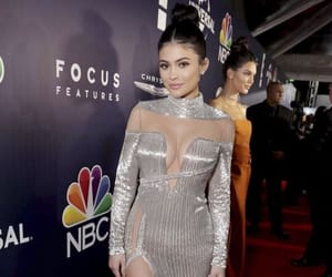 fashion, red carpet, and outfits image
