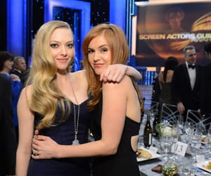amanda seyfried and isla fisher image
