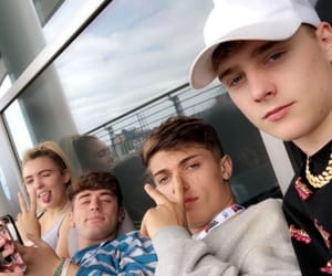 touchdalight, elmo films, and the social climbers image