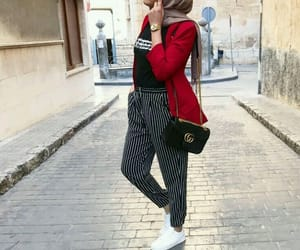 hijab, outfit, and hijâbi image