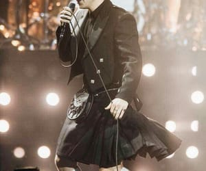 black, sing, and skirt image