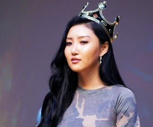 crown, fantaken, and fansign image