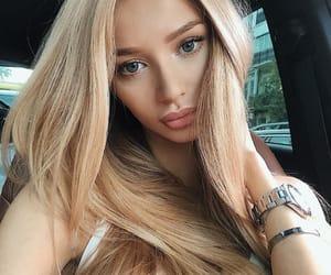 beauty, lips, and body image