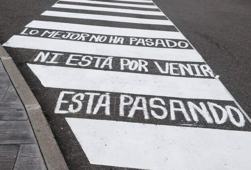 Versos Al Paso Discovered By María José On We Heart It