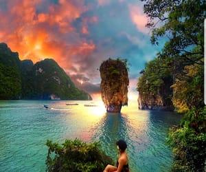 phuket tailandia and en algún lugar del mundo image