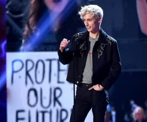 troye sivan and tcas image