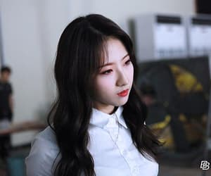 favorite, kpop, and yves image