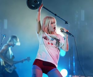 hayley williams, paramore, and singer image