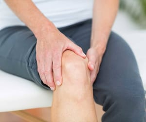 leg vein treatment, pain specialist, and leg swelling treatment image