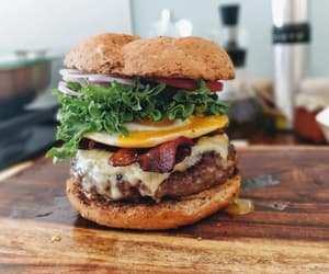burger, food porn, and cheeseburger image