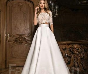 bride, dress, and pizzo image