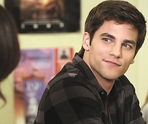 lucy hale, pretty little liars, and brant daugherty image